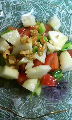 カシューナッツと洋梨のサラダ